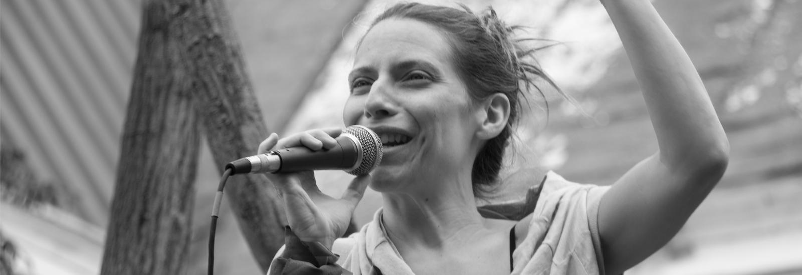 Elena-Roger, Queridas, Día de la No violencia contra las Mujeres